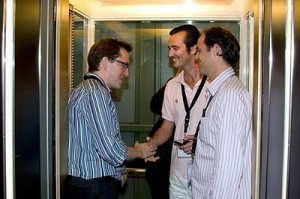 4 Simple Steps to a Perfect Business Elevator Pitch: Examples, Outline, Format & Startup